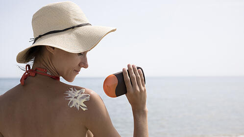 skin-care-awareness-sunscreen